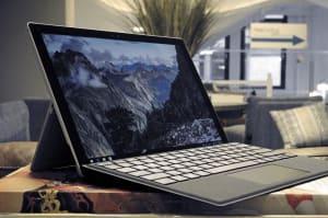 El nuevo parche para Spectre de Windows 10 desactiva los reinicios de Intel