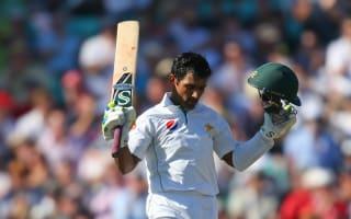 Shafiq, Younis centuries give Pakistan advantage