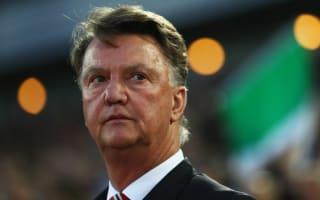 Van Gaal feels undermined by United greats