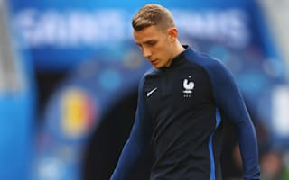 Barcelona new boy Digne undergoes nasal surgery