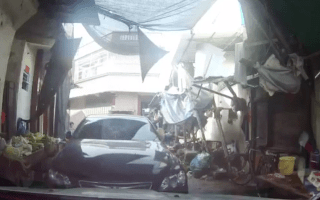 Driver caught repeatedly ramming other motorist in China