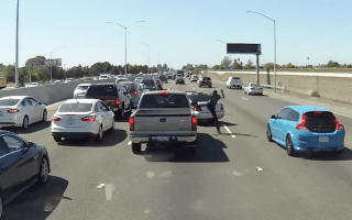 Ridiculous road rage incident ensues on US highway