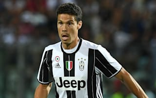 Allegri asks Juve fans to lay off Hernanes