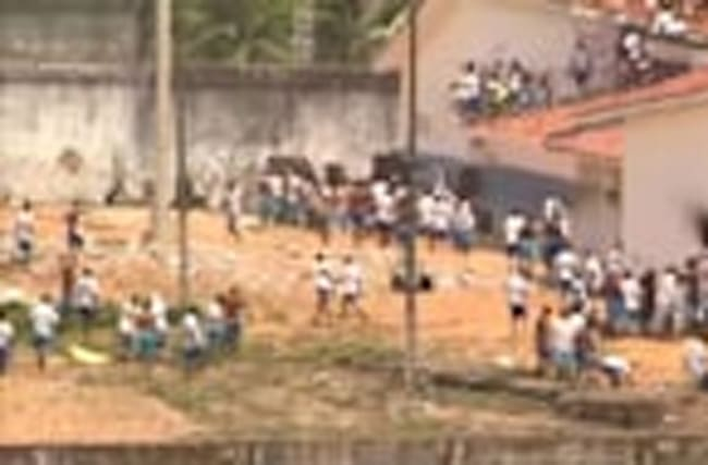 Brazil wrestles with further prison riots
