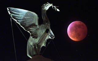 Don't miss the lunar eclipse tonight! Moon to turn blood red
