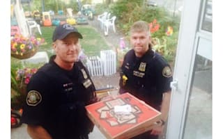 Pizza delivery driver has accident: so police deliver the pizza