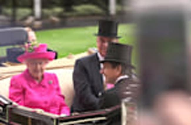 Queen wears pink on Ladies' Day at Royal Ascot