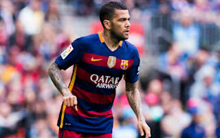 Alves jets into Turin for Juve medical