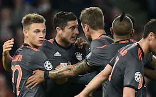 PSV 1 Bayern Munich 2: Lewandowski double seals qualification