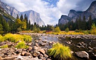 Firefall optical illusion lights up Yosemite National Park