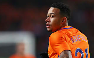 Depay promises boots to fan with life-changing condition