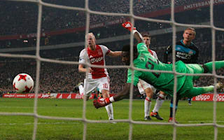 Ajax 1 PSV 1: Draw the perfect gift for leaders Feyenoord