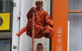 Floating man confuses tourists in Brussels: Video