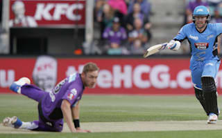 Dunk slams half-century to see Strikers home
