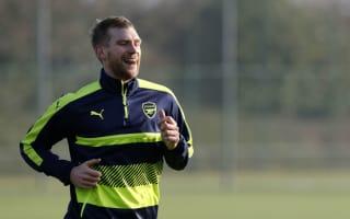 Mertesacker back in Arsenal training