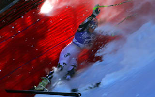 Vonn crashes out, Reichelt takes honours in Garmisch