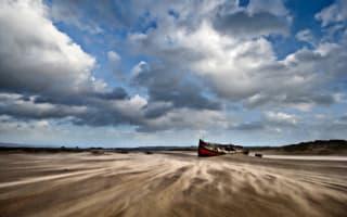 Two women rescued from mud in Devon