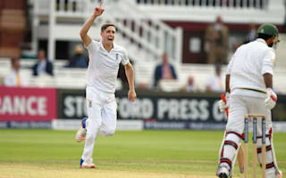 Woakes excels again, but Pakistan on top at Lord's