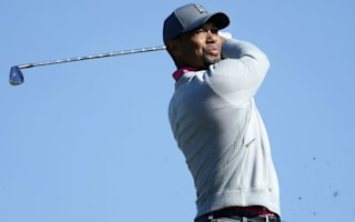 Woods leaves Torrey Pines early after disappointing week