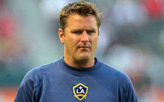 Galaxy appoint Onalfo, sign Jones