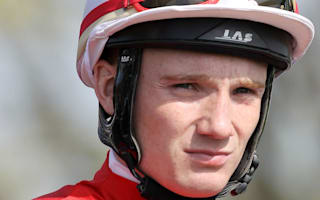 Jockey Tylicki suffers T7 paralysis following Kempton fall
