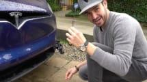 Sólo necesitas un destornillador para abrir el maletero de un Tesla