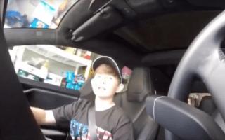 Father scares son with Tesla's autopilotsystem