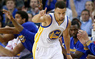 Warriors win for birthday boy Curry, Jazz upstage Cavs