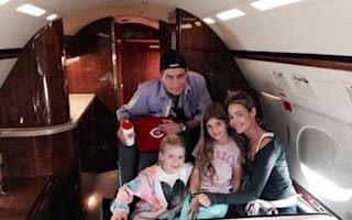 Charlie Sheen cancels family trip after mechanical difficulties with private jet