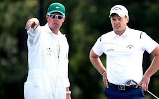 Struggling Willett parts with caddie