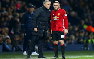 Rooney returns to United training