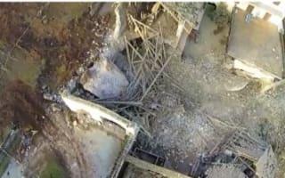 Video: Boulders destroy 300-year-old building