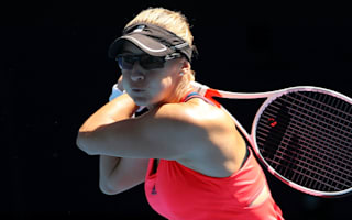 Lucic-Baroni rolls on into semis, Mladenovic through