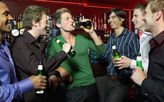 Pubs routinely breaking law - study