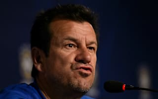 Juninho wants Dunga to survive Copa campaign