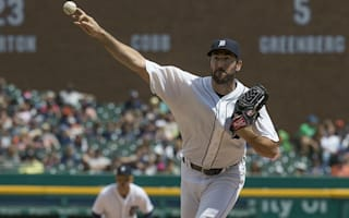 Verlander helps Tigers sweep White Sox, Arrieta and Cubs lose