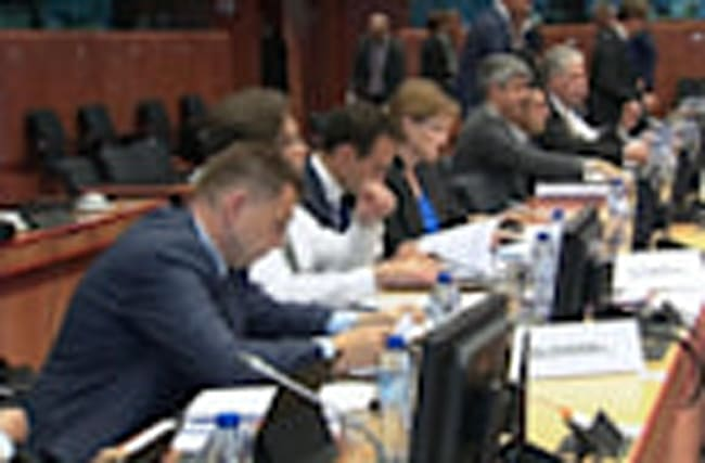Euro zone stands firm on debt relief for Greece