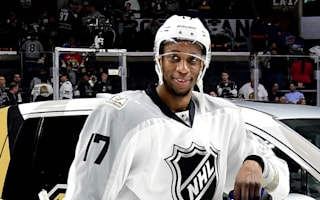 Simmonds steals show, MVP honours in NHL All-Star game