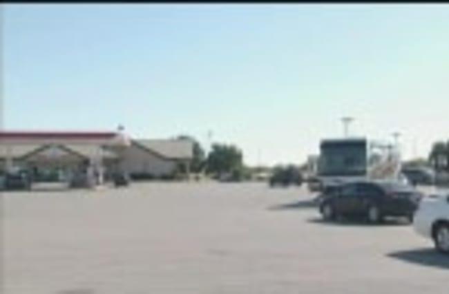 Manhunt underway in Oklahoma