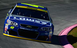 Jimmie Johnson wins, advances to final round of Chase