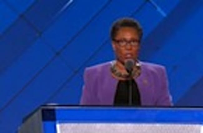 Gavel bangs to open second night of Democratic convention
