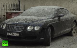 Video: Russian Bentley encased in cement