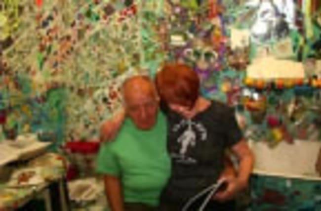 "Artist couple creates ""tchotchke heaven"" mosaic house"
