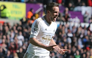 BREAKING NEWS: Sigurdsson pens new Swansea deal