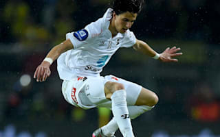 Reported Everton target Zekhnini in talks with European club