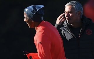 United not distracted by Mourinho's Chelsea return - Young