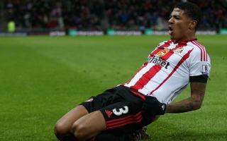Van Aanholt signs Sunderland renewal until 2020