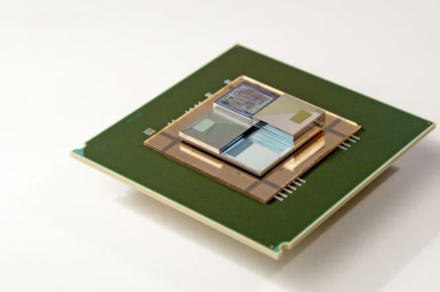 Estas diminutas baterías líquidas dan vida a chips mientras los refrescan