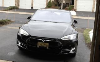 Tesla's Model S update sees Apple Watch compatibility