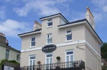 Ascot House Hotel